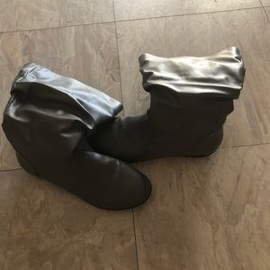 Comfortview gray calf high boots with cuff